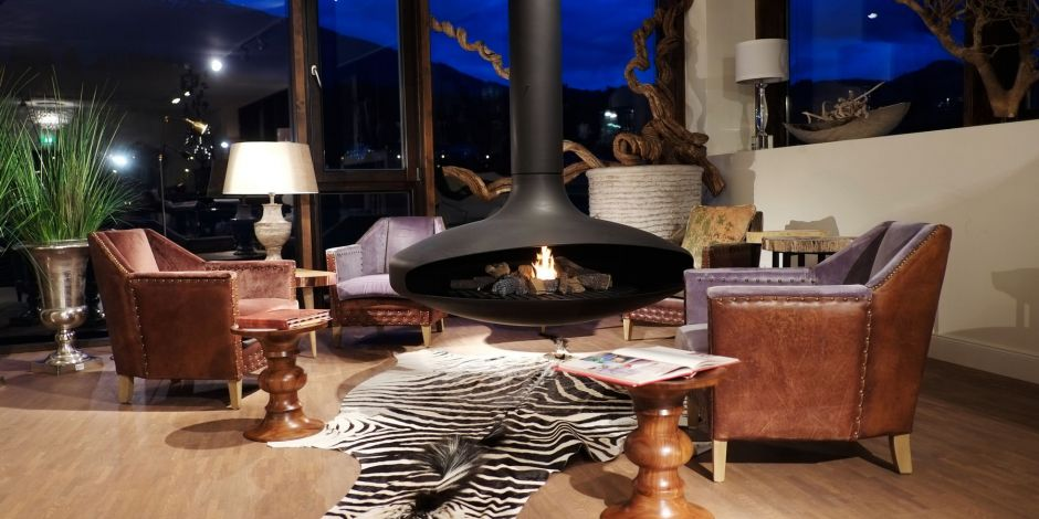 Cozy: der Kamin in der Lounge
