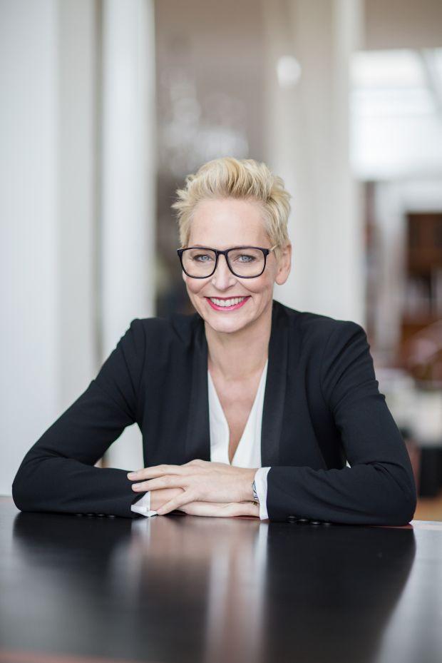 Moderiert die Award-Gala: Bärbel Schäfer.