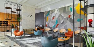 Kunst trifft auf Moderne: Die Lobby des Four Points by Sheraton Warsaw Mokotow